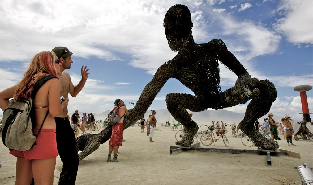 Фестиваль Burning Man в Неваде http://travelcalendar.ru/wp-content/uploads/2015/08/Festival-Burning-Man-v-Nevade_glav5.jpg