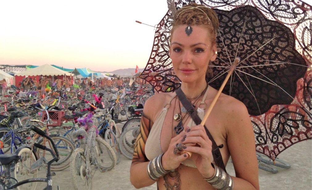 Фестиваль Burning Man в Неваде http://travelcalendar.ru/wp-content/uploads/2015/08/Festival-Burning-Man-v-Nevade_glav6.jpg