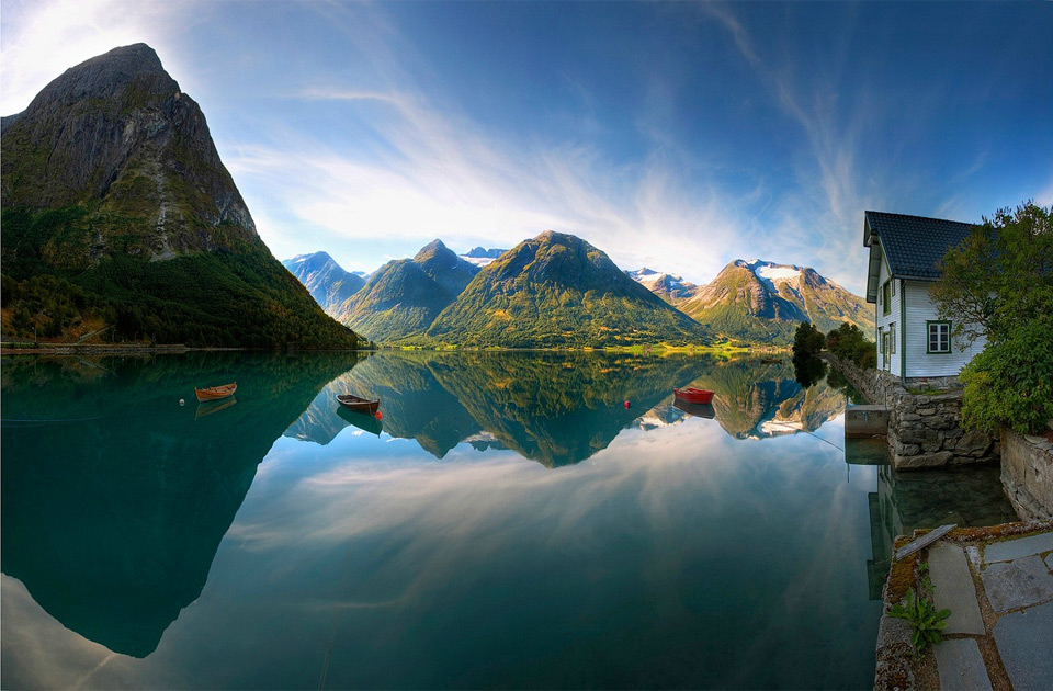 28beautiful-lake-in-norway