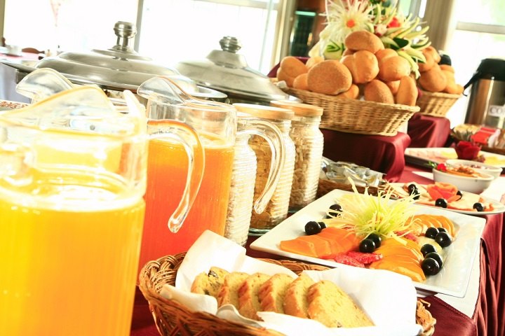 buffet breakfast1