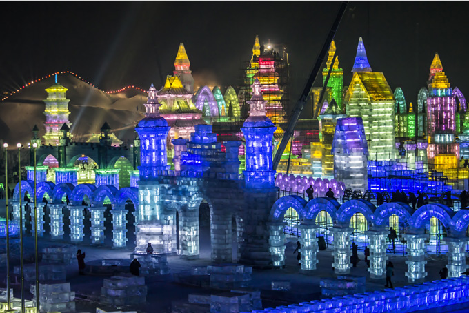 680-ice-sculptures-at-the-harbin-snow-and-ice-festival