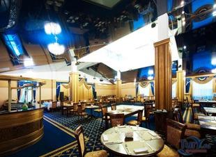 Банкет-холл в горах. Отель Адиюх-Пэлас. Хабез, Карачаево-Черкесия.