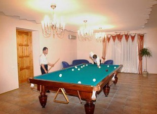 Бильярдный стол. Отель Адиюх-Пэлас. Хабез, Карачаево-Черкесия.