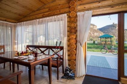 Отдых в горах. Мангал, беседки, шашлыки для вашего отдыха. Отель Адиюх-Пэлас.