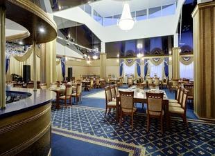 Лобби-бар. Ресторан в горах. Ресторан Минара. Отель Адиюх-Пэлас.
