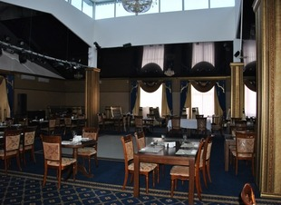 Лобби-бар в горах Северного Кавказа. Ресторан Минара. Отель Адиюх-Пэлас.